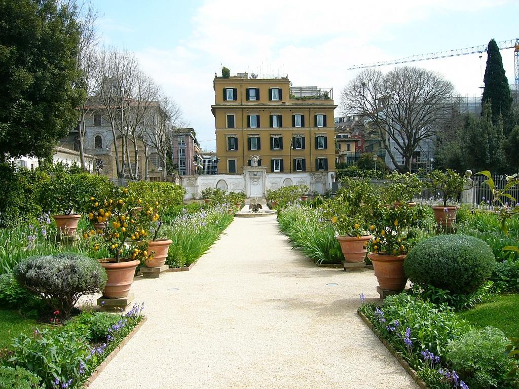 Amenajari gradini Roma 8