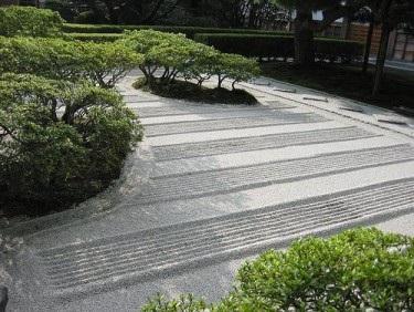 amenajari gradini japoneze aride 10
